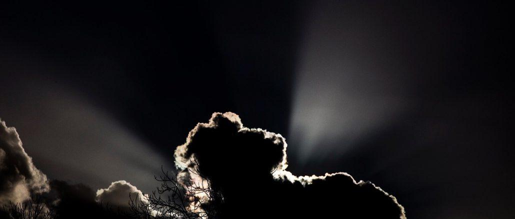 clouds-1332321_1280